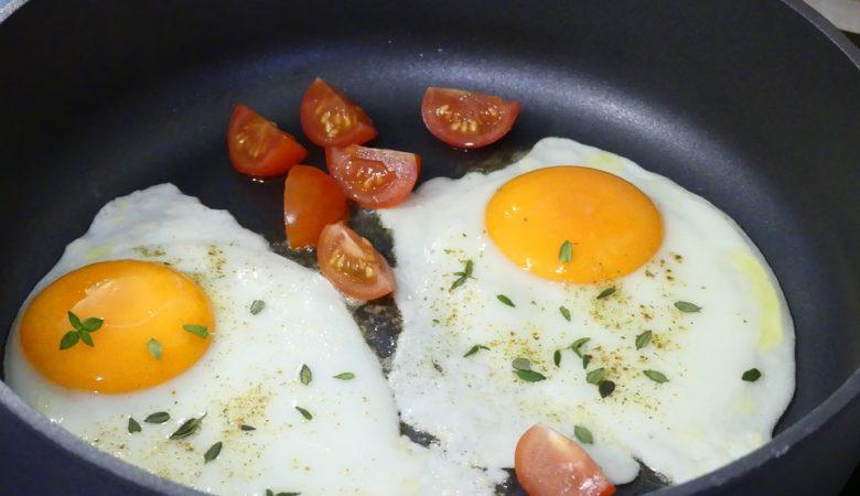 Os ovos e o tomate son bos para a resaca