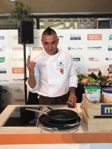 David Couñago lucindo como o gañador do mellor arroz de España en Murcia