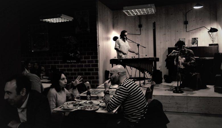 As ceas con música en directo no Flamingo de Santiago de Compostela/ Imaxes: Xosé Novo