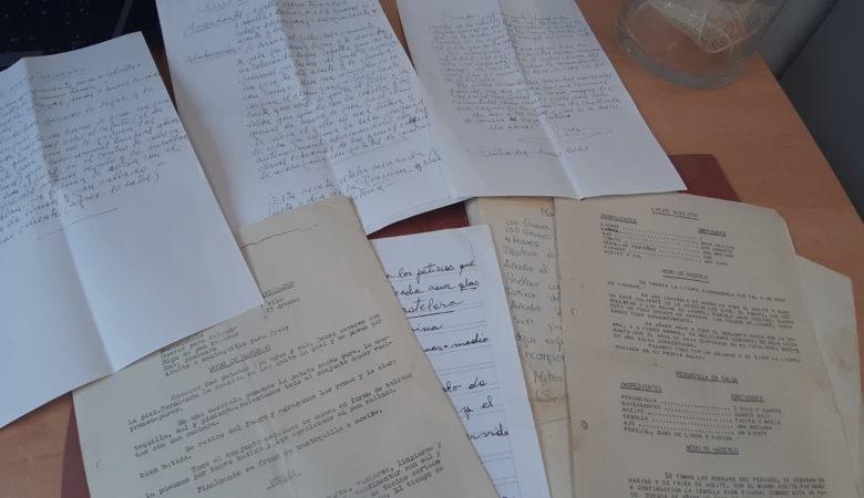 Receitas escritas a man ou a máquina de escribir das que recompilaron no CIFP Carlos Oroza