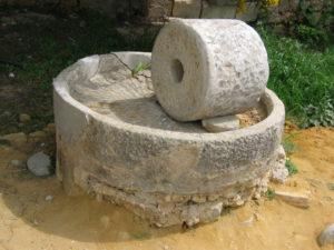 Mola olearia romana procedente de Volubilis (Marrocos). Fotografía do autor.