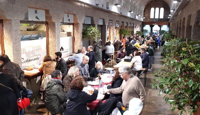 A nave número 5 é a que está adicada aos espazos de restauración no Mercado de Abastos de Santiago