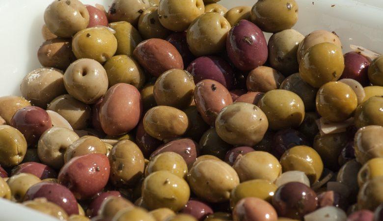 As propiedades da oliva de mesa adquírense durante o proceso tradicional de salmoira