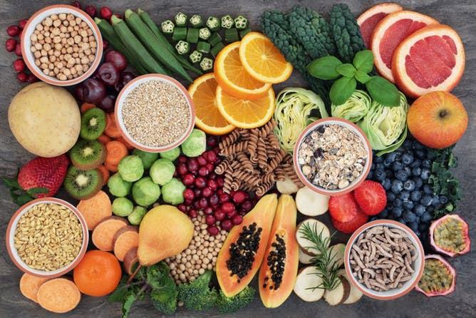 A fibra é máis abundante nos legumes, só superados por uns poucos alimentos procesados.