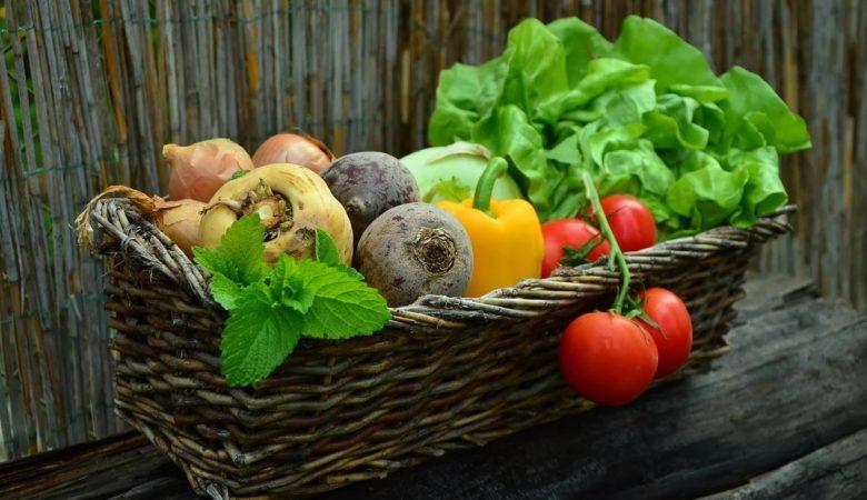 Unha dieta baseada en verduras e ben complementada pode axudar a sobrelevar a situación da pandemia. Foto: Pixabay.