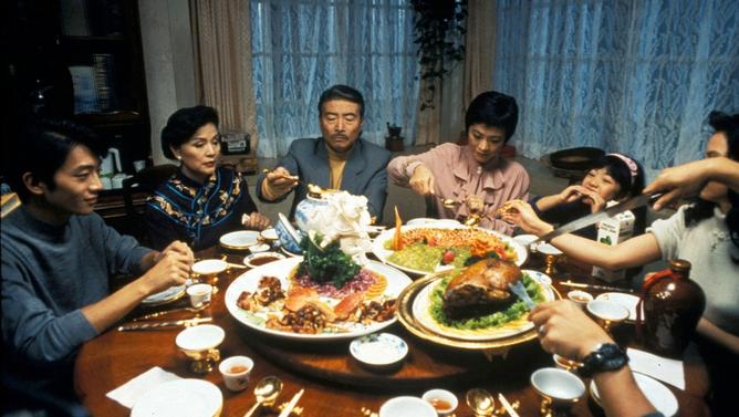 Fotograma da película Comer, beber, amar (Ang Lee, 1995).